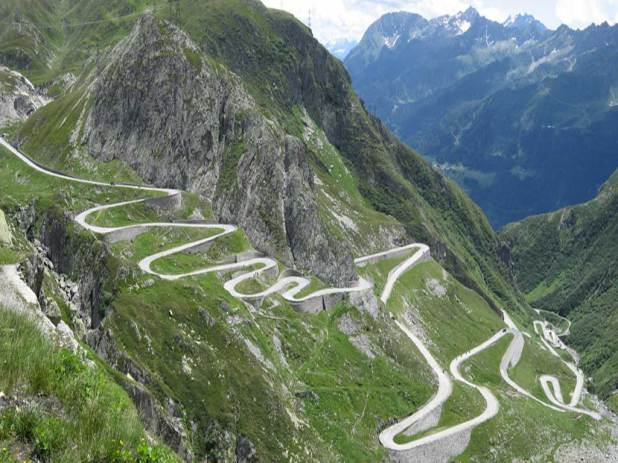 zikzak-road-saint_gothard_pass_switzerland